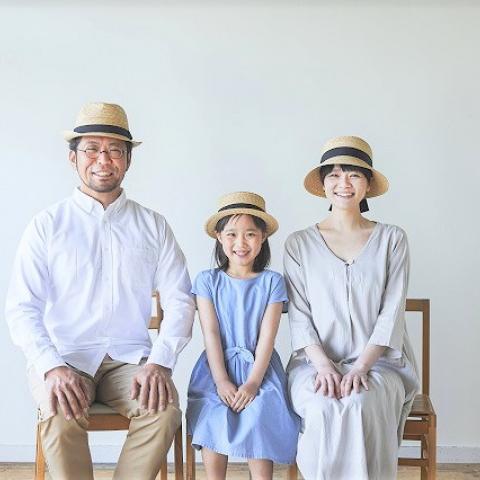 国産麦わら帽子の老舗「田中帽子店」 約70種類を期間限定で展示販売