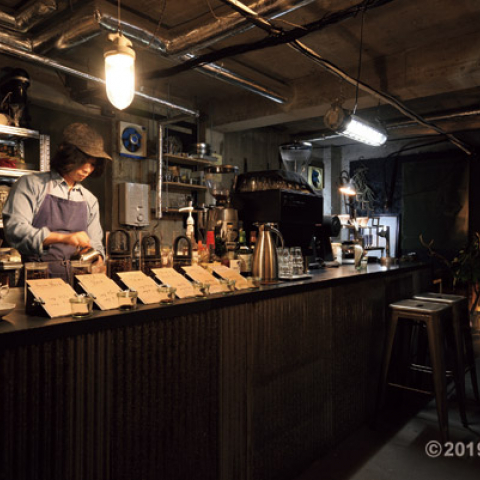 NEW OPEN! 隠れ家空間で味わう一杯「ACE COFFEE ROASTER」